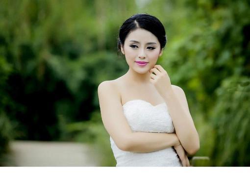 美丽端庄温文尔雅自拍户外美女美女_hao123主图片播秀我图片