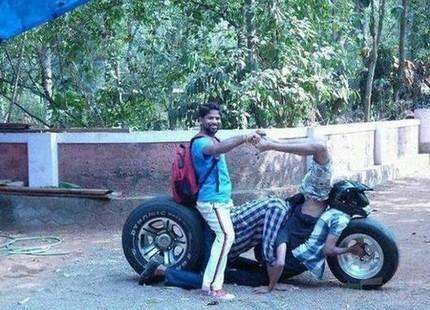 阿三哥的摩托车